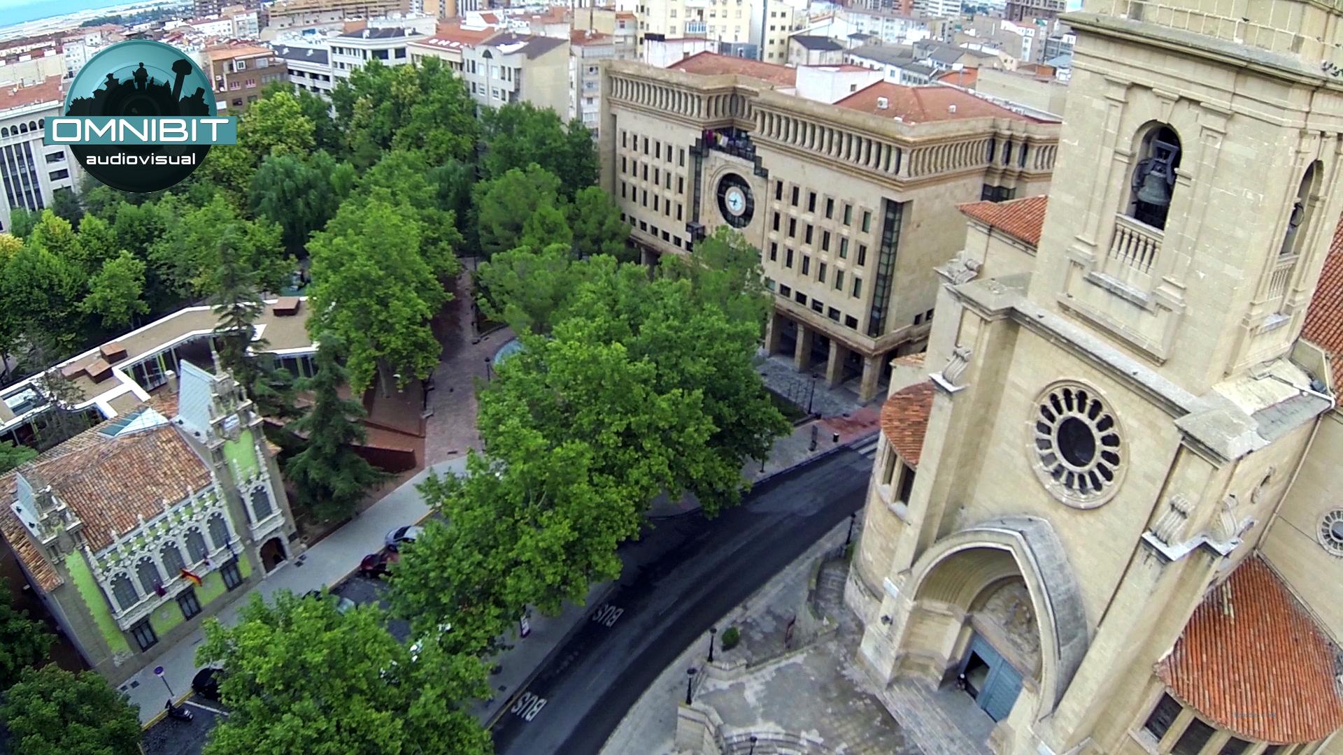 grande bailarines pequeña cerca de Albacete